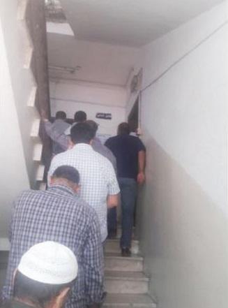 إربد : طوابير في مكاتب «اليرموك» للتقدم بطلبات التزود بصهاريج المياه
