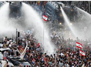 """""""طلعت ريحتكم"""" تستعد لمظاهرة في بيروت تطالب بانتخابات نيابية"""