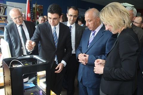 الأردنية تطلق فعاليات أسبوع الزاوية الأميركية