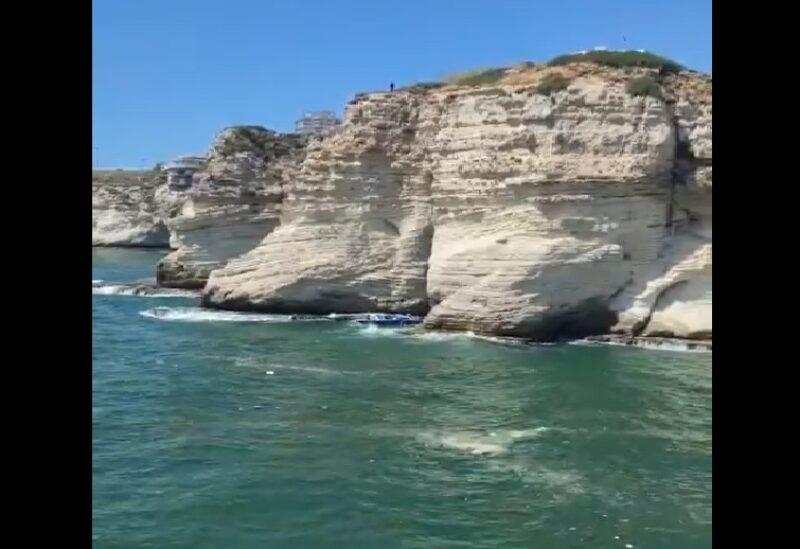 فيديو مأساوي ..  لاجئ أراد ممارسة رياضة القفز عن صخرة الروشة في بيروت ..  فسقط على قارب و قُتل