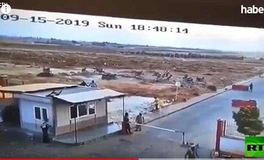 بالفيديو  ..  شاهد لحظة انفجار سيارة مفخخة في بلدة الراعي بسوريا
