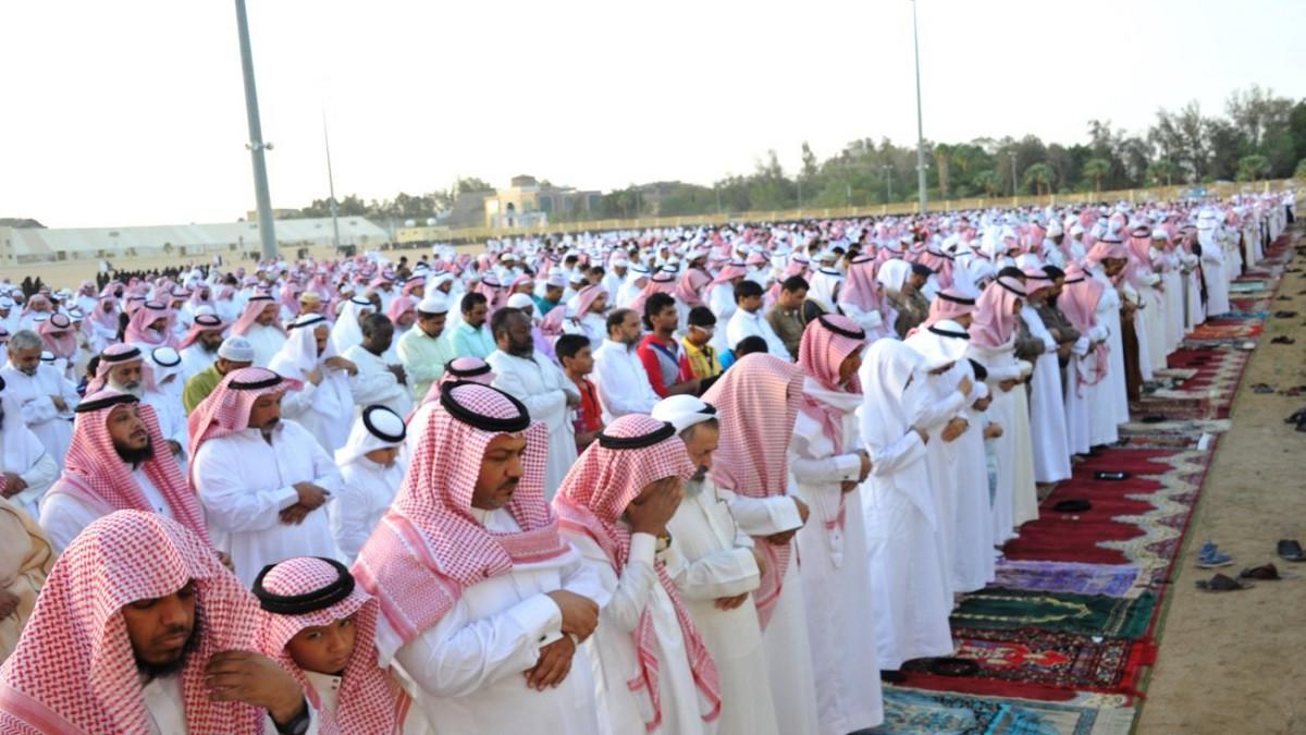 السعودية تقرر إقامة صلاة عيد الفطر في البيوت