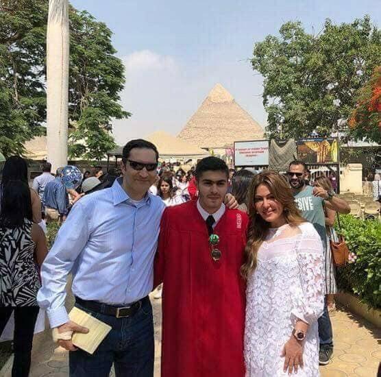 بالصور ..  كيف احتفلت أسرة مبارك بتخرج حفيده