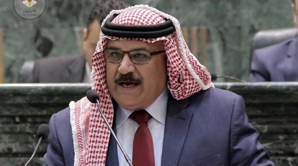 """النائب الخزاعلة :بيان الحكومة لا يختلف عما سبقه  .. وجميع الوزراء """"دارسين عند شيخ واحد """""""