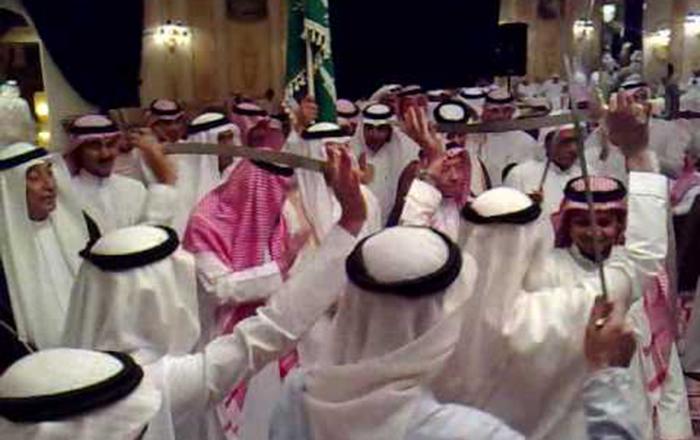 بالفيديو  ..  أغرب حفل زفاف في السعودية