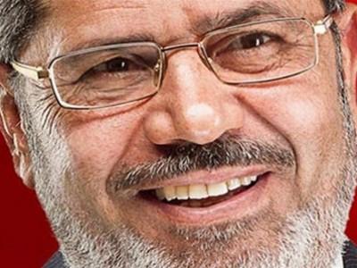 """بالفيديو: أسرار الخروج الكبير لـ """"مرسي"""" من السجن يوم جمعة الغضب"""