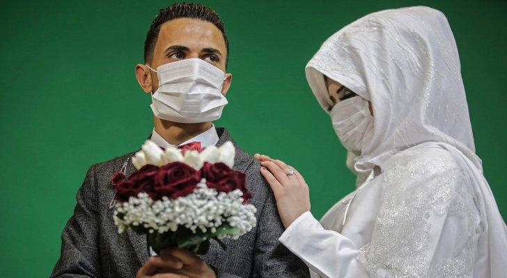 فيروس كورونا ضيف ثقيل يغير خطط الراغبين بالزواج