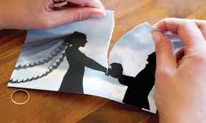 أغرب حالة طلاق في الأردن ..  رجل يطلق زوجته بعد أخذها للقاح دون علمه