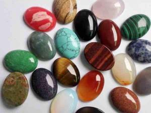 خرافات ارتبطت بالأحجار الكريمة
