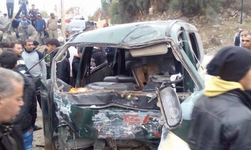 وفاة شخصين بحادث تصادم بين بكب و باص صغير  في مادبا