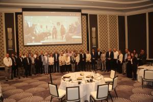 عائلة إيجل هيلز الأردن تحتفل بمسيرة العطاء الطويلة لعددٍ من موظفيها ..  صورة