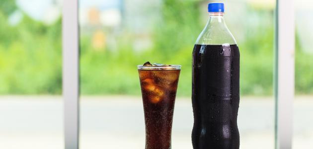 تحذيرات من تناول المشروبات الغازية في الطقس الحار