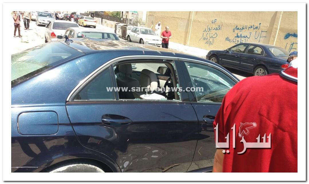 انصار احد المرشحين يعتدون بالضرب على النائب موسى الوحش و يحطمون سيارته ..  صورة