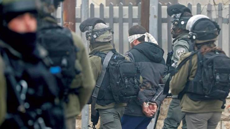 الاحتلال يعتقل 4 مواطنين شمال رام الله