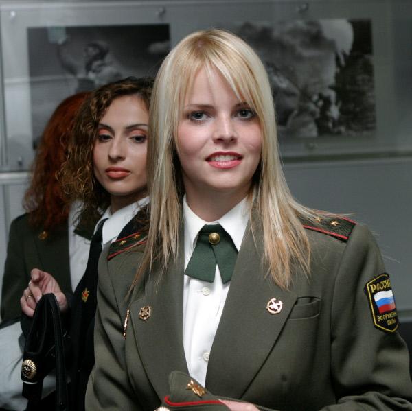بالصور.. أجمل حسناوات الجيش الروسي