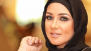 بعد إخلاء سبيلها ..  الفاشينيستا الكويتية جمال النجادة تعتذر عن إساءتها للنيابة العامة