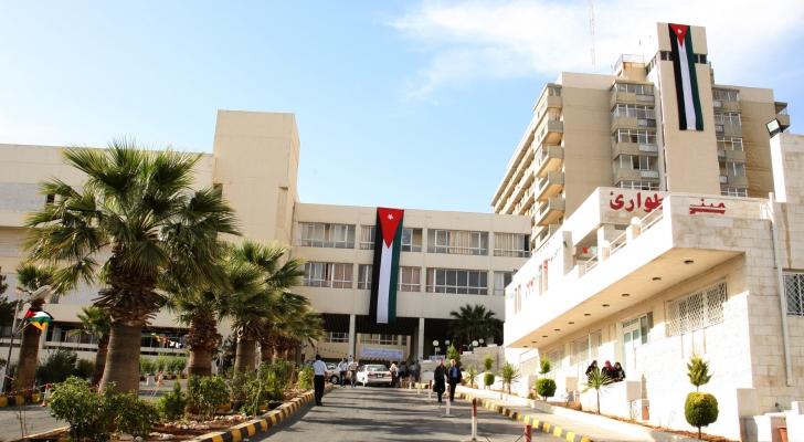 مستشفى الجامعة: ملتزمون بمتابعة مطالب الممرضين