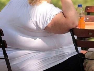 الإفراط بتناول الطعام ليس سببا للسمنة ..  هذا ما كشفته آخر الدراسات