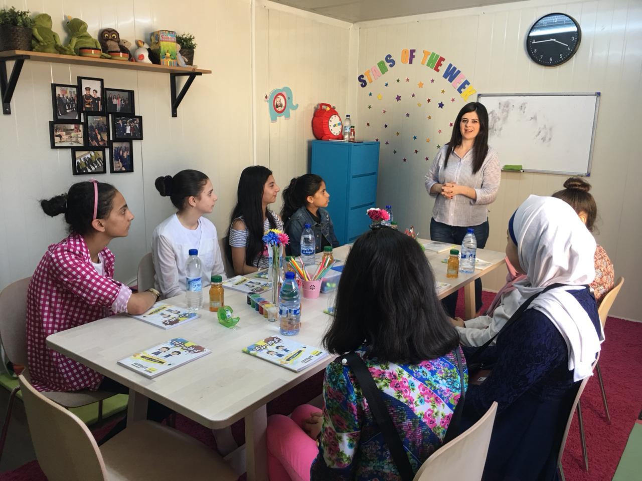 24 ساعة عمل تطوعي في كرفان رزان من أجل التلعيم  ..  صور
