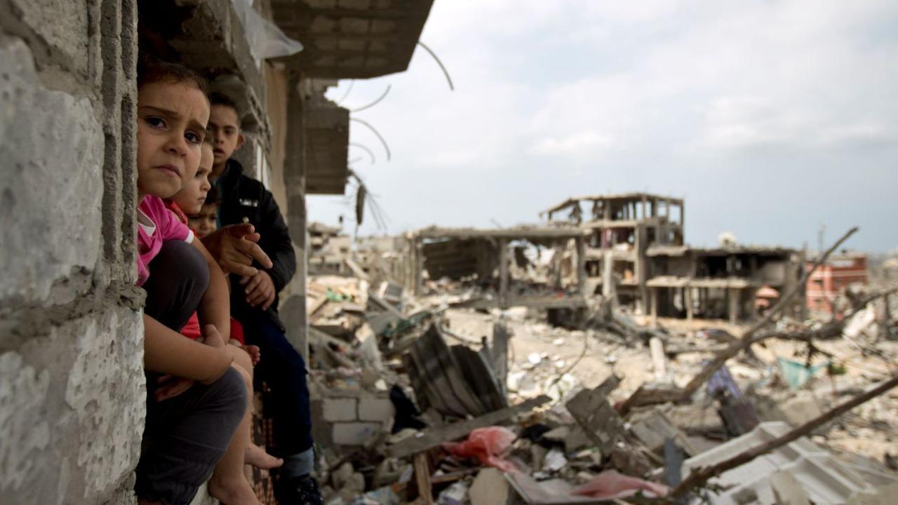 يونس: العالم أصبح صدره يضيق لما يحدث في غزة