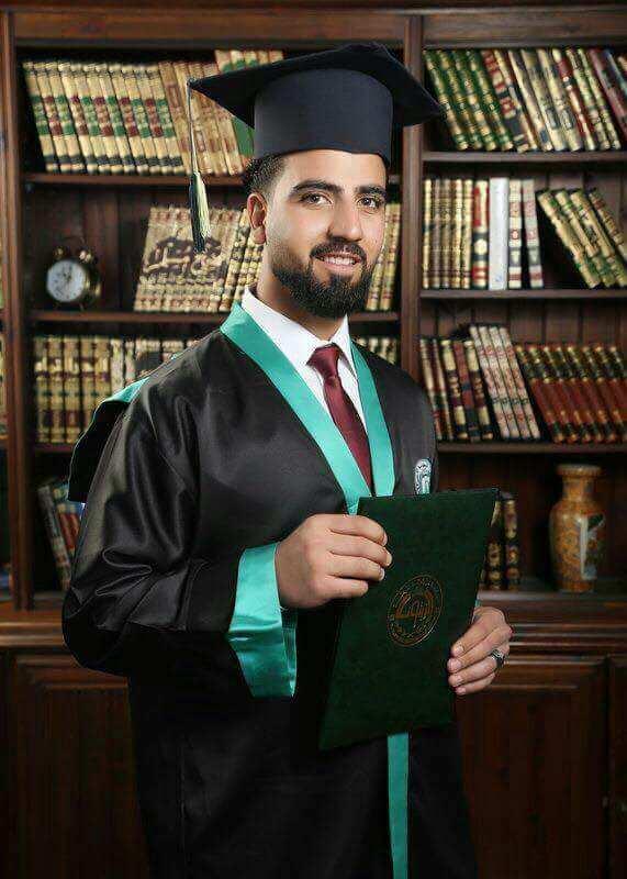 """الصديق """"معتز السدر"""" .. مبارك التخرج"""