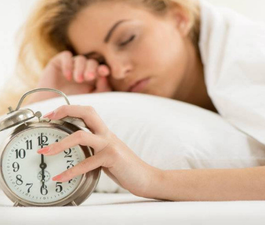 لهذا السبب نشعر بالتعب صباحاً حتّى بعد النوم لـ8 ساعات