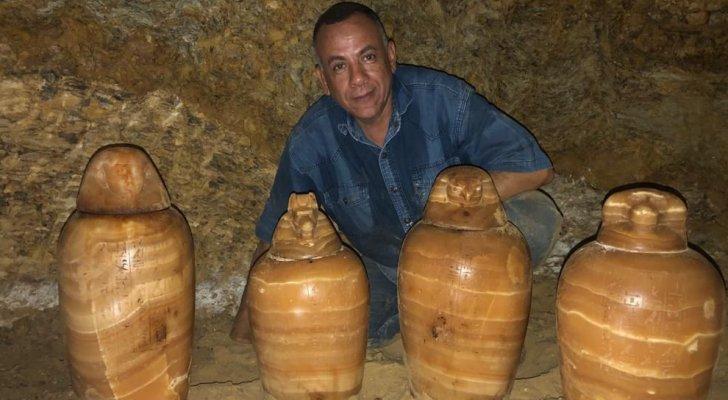 """بالصور ..  اكتشاف مقبرة """"المُشرف على الخزانة الملكية"""" الفرعونية في مصر بداخلها أكثر من 1400 تمثال"""