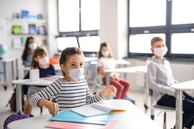 """""""الوطنية للعودة إلى المدارس"""" تقترح سيناريوهات لعودة الطلبة إلى الغرف الصفية"""