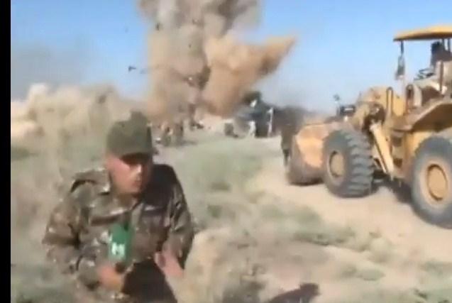 بالفيديو  ..  لحظة انفجار عبوة ناسفة بعدد من الجنود العراقيين على الهواء مباشرة
