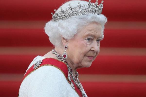 فضيحة تحرش جنسي  ..  من داخل العائلة الملكية البريطانية