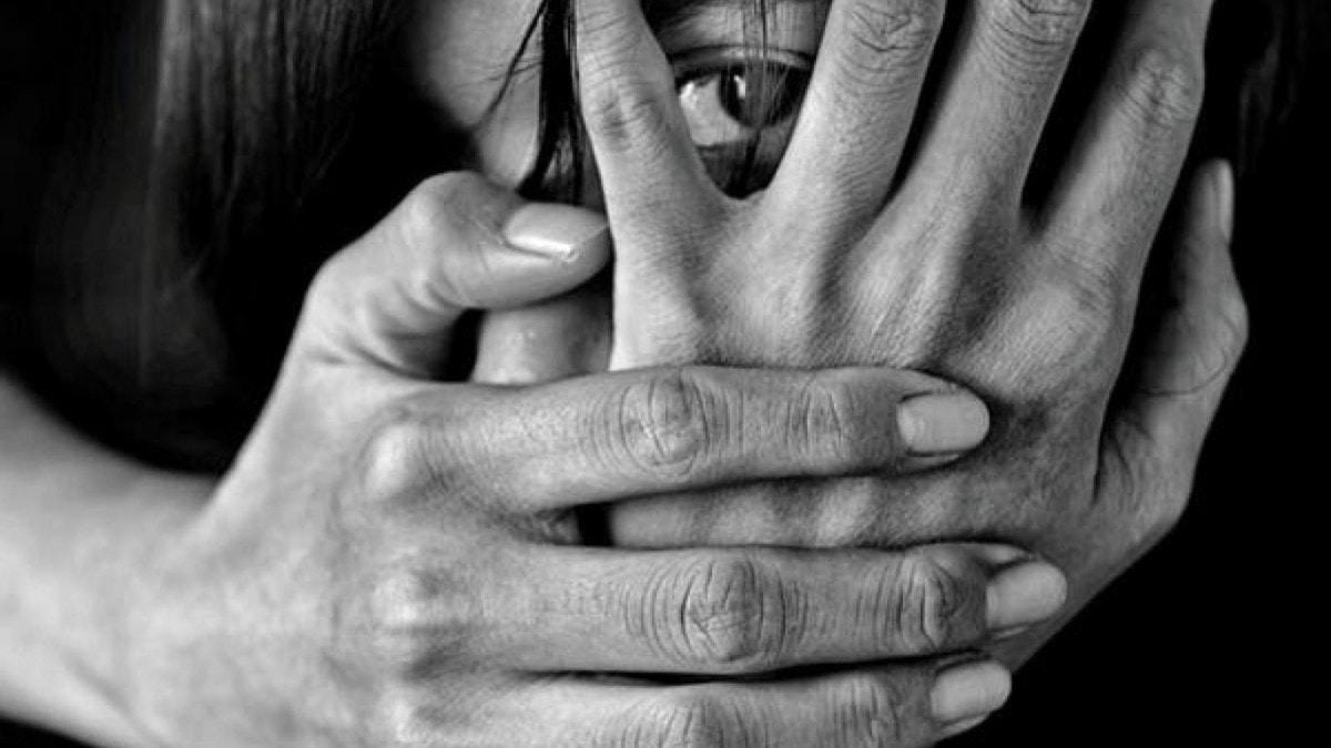 السعودية ..  فتاة تتهم والدها بالتحرش بها وتثير موجة تعاطف واسعة