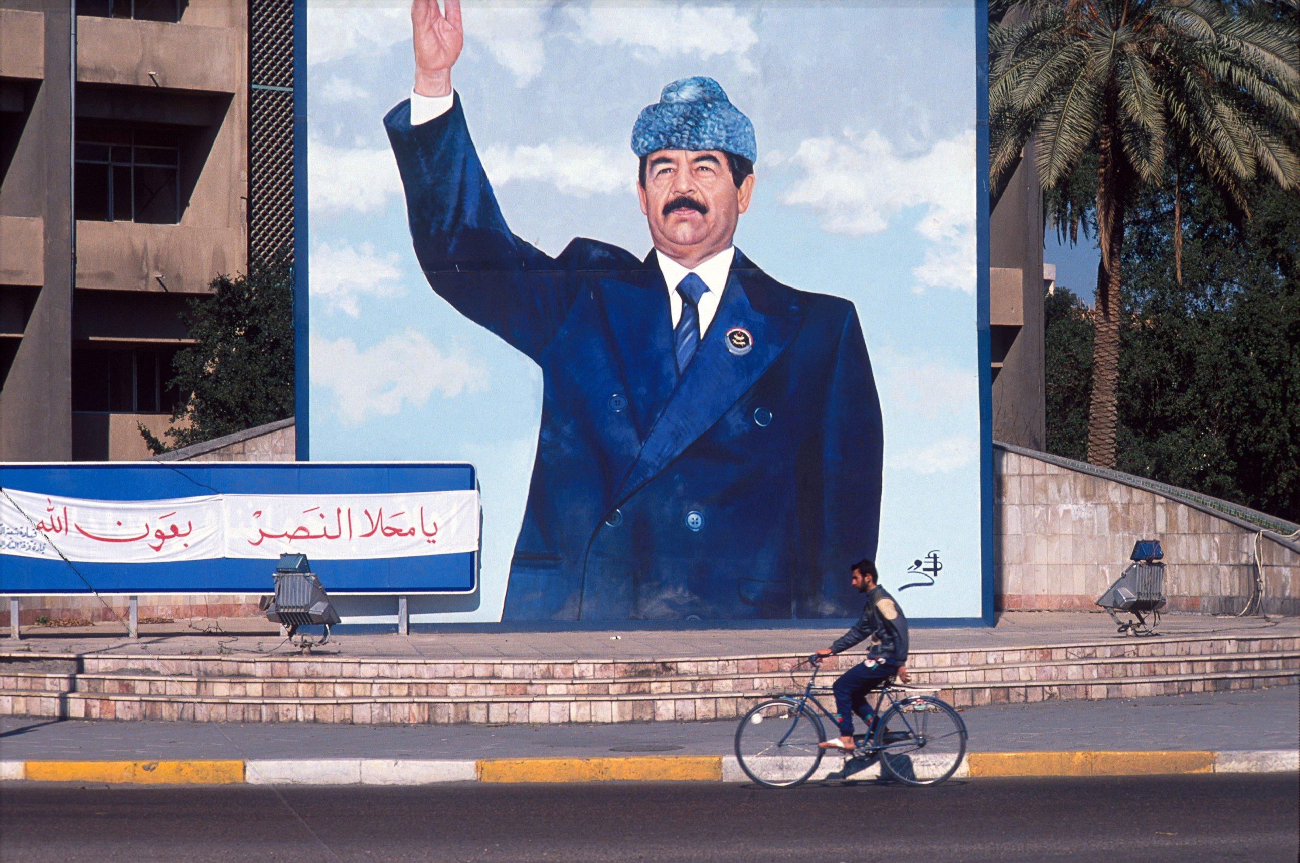 كاتبة عراقية : أعتذر منك يا صدام حسين لأنني رقصت وفرحت يوم سقوطك