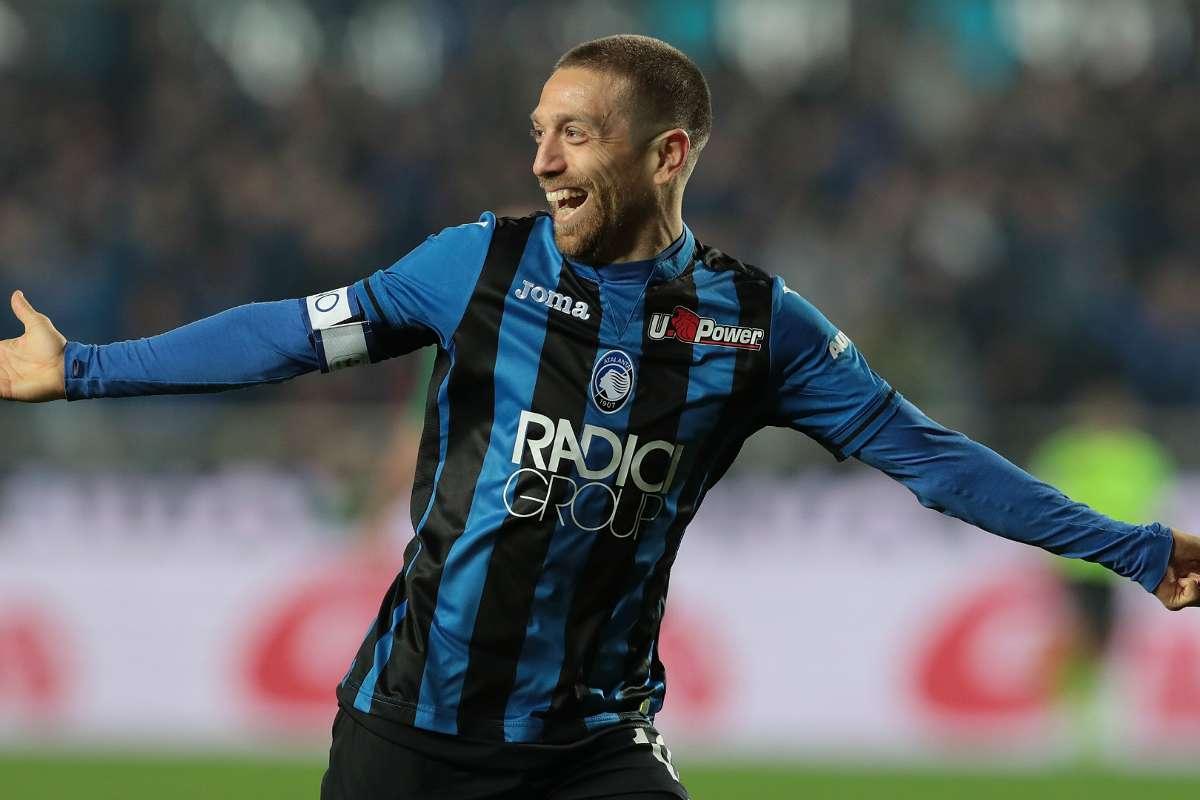نجم أتالانتا الأفضل في الدوري الإيطالي