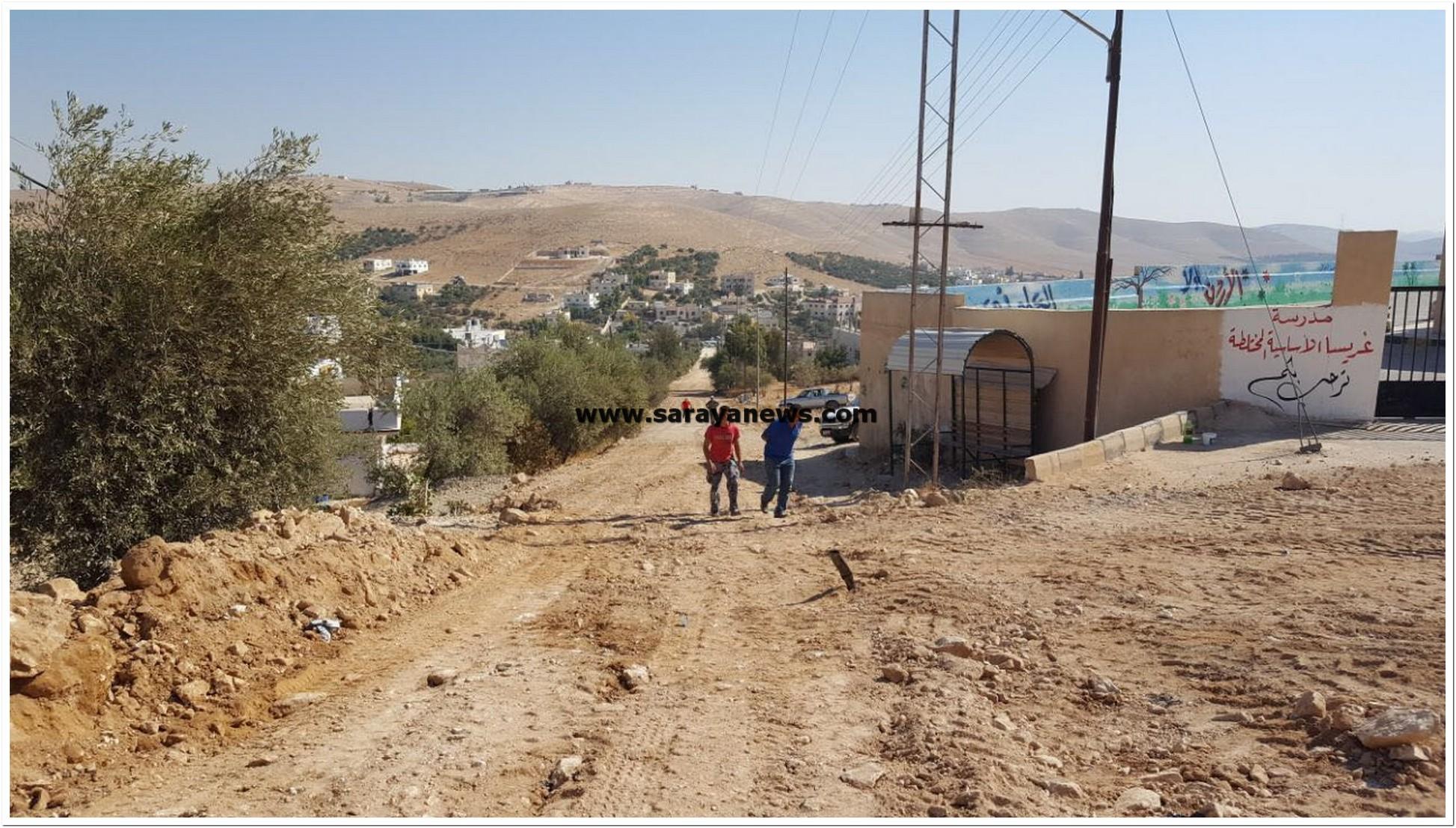 """الزرقاء : أهالي غريسا لسرايا : شجر زيتون مخالف يوقف اكمال شارع بآلاف الدنانير """"صور"""""""