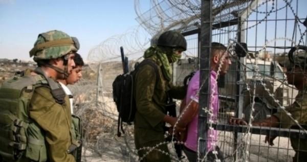 اعتقال أربعة فلسطينيين بزعم عبورهم السياج الفاصل شرقي القطاع
