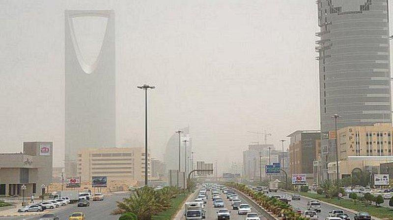 الحالة الجوية في السعودية :  رياح وأتربة تتواصل في 7 مناطق