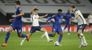توتنهام ضد تشيلسي  ..  أبرز مباريات اليوم في الدوريات الأوروبية والقنوات الناقلة
