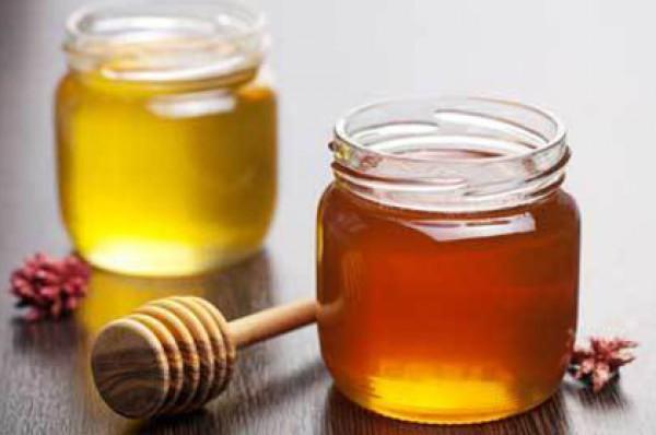 6 أسباب تجعلك تتناول خليط العسل والقرفة يوميا