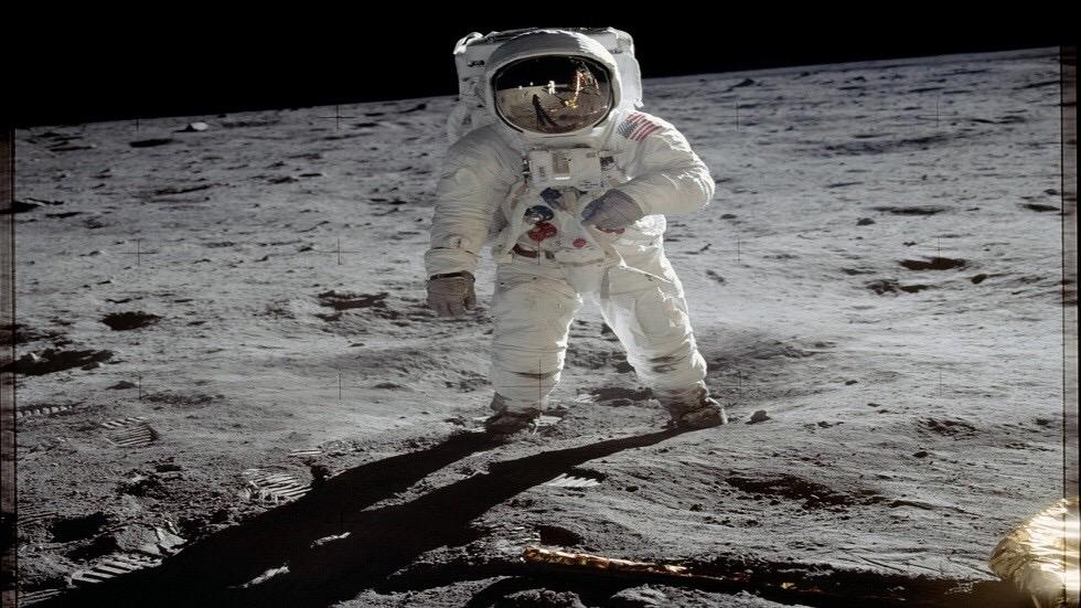 لماذا فبركة الهبوط على القمر مستحيلة؟!