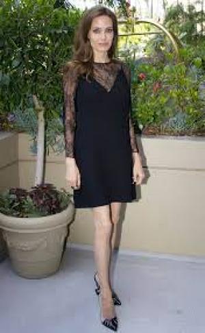 أنجلينا جولي تخسر وزنها ليصبح 34 كلغ!