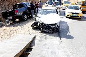 ثلاثة إصابات في حادث تصادم بين مركبتين على مفرق عين عريك برام الله
