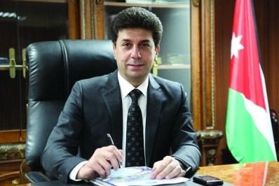 النائب المسلماني و وزير الاشغال في زيارة تفقدية الى ملعب نادي شباب الحسين