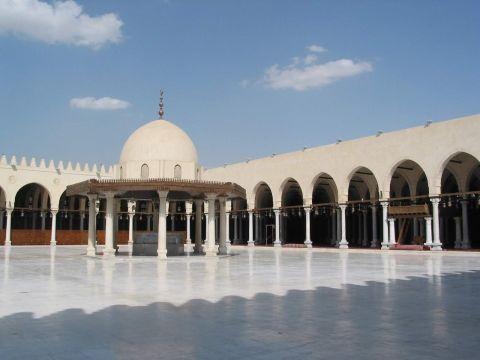دبي تبدأ المرحلة الأولى في المساجد الذكية