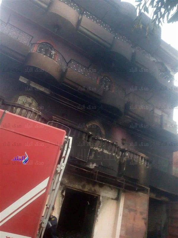 """بالصور  ..  بسبب كلمة """"هاتي بوسه"""" : مشاجرة بين عائلتين و حرق عمارات و منازل و سيارات في مصر"""
