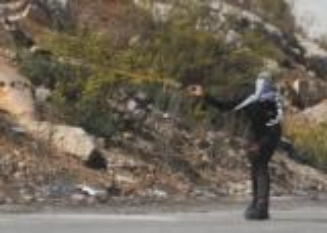 القدس : اصابة 4 من شرطة الاحتلال خلال المواجهات
