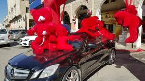 عمان : بيع 200 الف وردة حمراء خلال ساعات الصباح و سعر الدب الاحمر يصل لـ 150 دينار