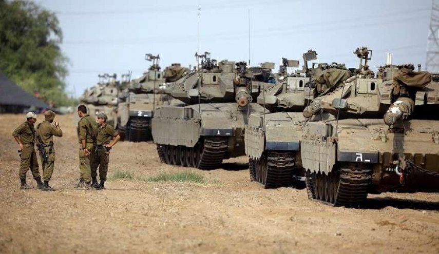الكيان الصهيوني يحشد جيشه على امتداد الحدود مع قطاع غزة