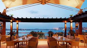 مطلوب موظفين للعمل في كبرى المطاعم في الإمارات