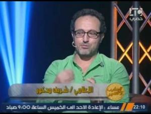 بالفيديو .. اعلامي مصري: سيدة تحرشت بي جسديًا ولكني رفضت لأني متدين