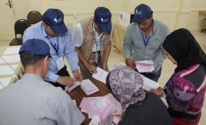 """بدء فرز الأوراق الباطلة في """"رابعة عمان"""""""